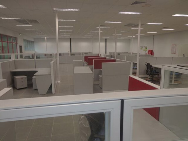 Office refurbishment for halliburton nigeria me kaiser for Office refurbishment